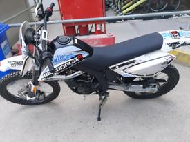 MOTORINO SXR 125 . 2021. ONLY 130 MILES