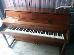 Very good condition piano delivery included