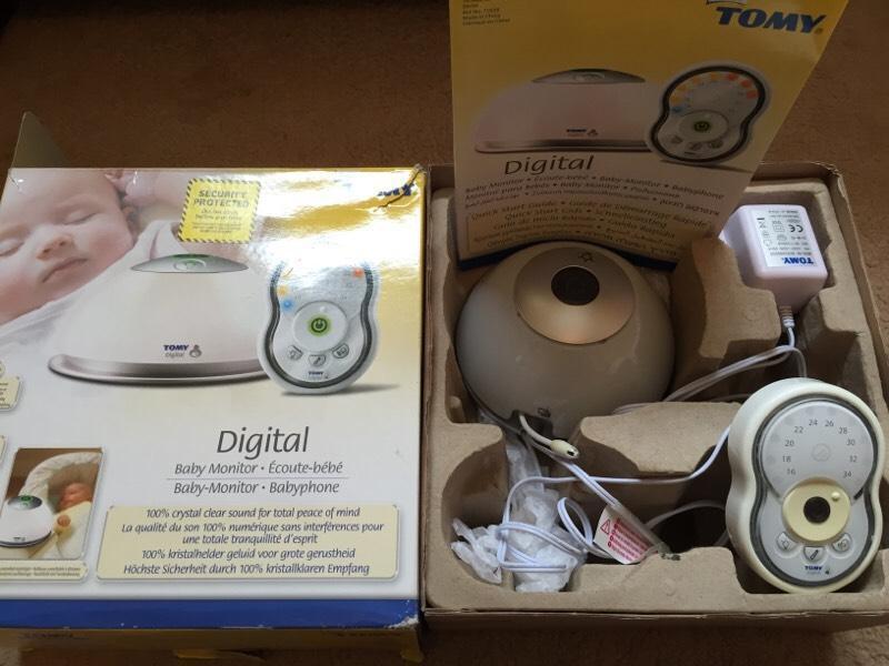 tomy digital baby monitor in finchampstead berkshire gumtree. Black Bedroom Furniture Sets. Home Design Ideas