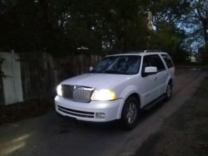 Lincoln Navigator with new upgraded shocks