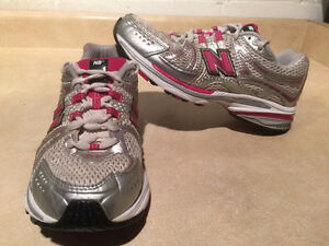 Women's New Balance Abzorb TS2 Lite Running Shoes Size 7 London Ontario image 1