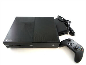 Xbox 1 - Model # 1540 - Comes with controller and Cables