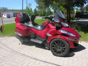 2015 Can-Am Spyder RT-S, SM-6, motorcycle