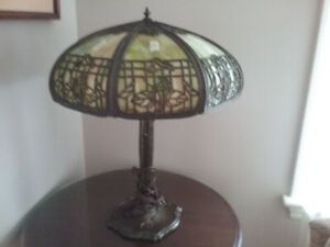 1920'S PITTSBURGH 8 PANEL TABLE LAMP