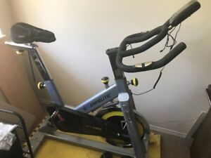 Exercise Bike - Exerpeutic LX905 Training Cycle