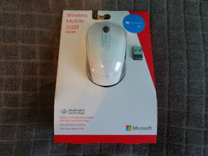 BNIB Microsoft Wireless Mobile Mouse 3500 -Limited Edition White