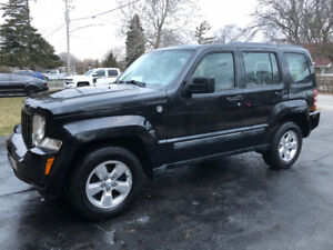2012 JEEP LIBERTY-EXTRA CLEAN INSIDE & OUT-WELL MAINTAINED