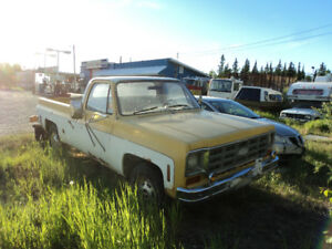 Vintage 40+ year old Pickups 1976 Ford and Chev