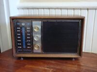 Vintage RCA Victor Filtermatic AM FM Radio with AFC Model 3RC76