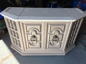Beautiful furniture console $100