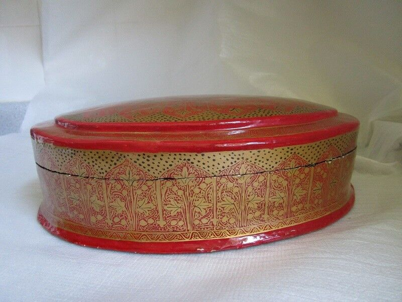 Vintage RED PAPER MACHE Kashmir India HAND PAINTED Berry Leaf Velvet Lined BOX!