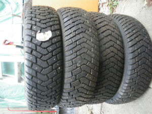 winter  hiver  goodyear ultra grip  215-70-15 with studs