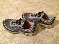 MENS NIKE AIRMAX SNEAKERS, SIZE 11.5, 100% authentic!