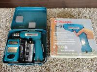 Used Once! Makita 6072 DWK 7.2V Cordless Reversible Drill Set