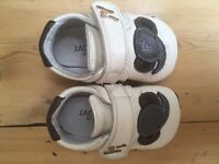 Cream leather elephant baby shoes approx size 2-3