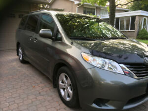 PRIVATE 1 Owner 2014 Toyota LE Sienna