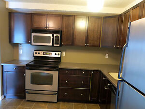3 Bedrooms Park View Condo near Lakewood Civic Centre