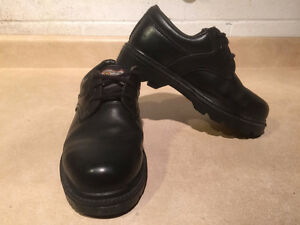 Women's John Deere Waterproof Leather Shoes Size 5.5 London Ontario image 6