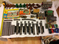 HO Guage Model Train Engines, Cars, Trackstock, Structures, Etc