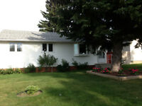 JUNE 1ST 3 BDRM MAIN FLOOR HOUSE - FOREST HEIGHTS