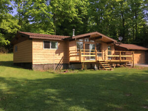Cottage in the heart of the Haliburton Highlands 3 Beds, 1 bath