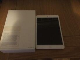 iPad mini 1, 16gb, WiFi and cellular.