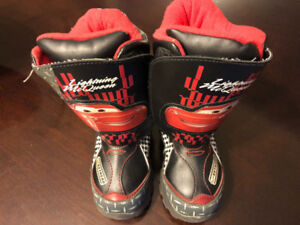 WINTER BOOTS FOR BOYS, SIZE 9, LIGHTNING MCQUEEN