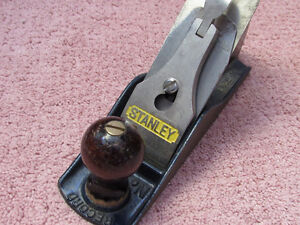 VINTAGE, ANCIEN RABOT A BOIS, STANLEY RECORD #4  MADE ENGLAND