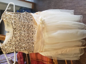 Online garage sale - dresses size 8-12 all only used once. Mint