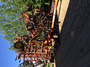 54 ft bourgault 5710 air drill