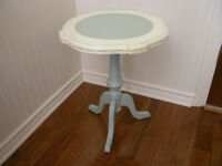 Table de Bout/Side Table