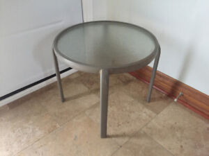 TABLE with METAL FRAME & GLASS TOP