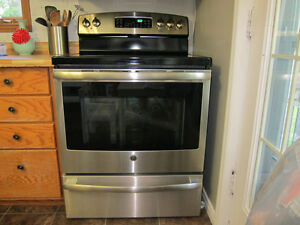 GE Stainless Steel Smooth Top Electric Stove