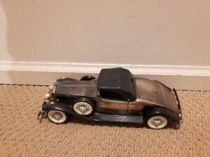 VINTAGE 1931 ROLLS ROYCE TOY MODEL CAR COLLECTIBLE AM RADIO