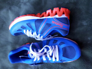 New Reebok Ortholite sport shoes for boys size 5