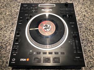 Numark V7 Professional DJ Controller