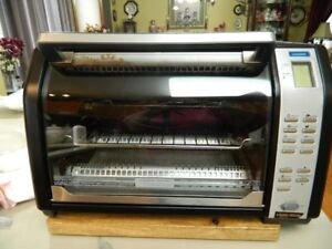 BLACK AND DECKER TOASTER/CONVECTION OVEN
