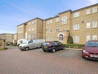 2 bedroom flat in Gilbert Close, Woolwich SE18