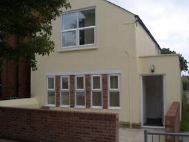 2 bedroom flat in Upper Flat Howard Street, Oxford, OX4(Ref: 140)