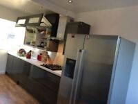 Large single £475 all inc,close to shopping center bmw and tesco, frequent bus access to town