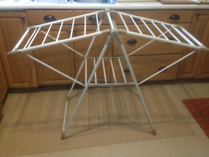 Heavy Duty  Collapsible White Metal Gullwing Clothes Drying Rack