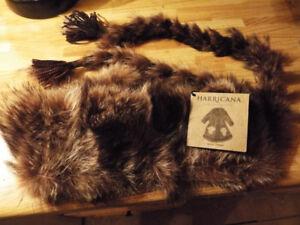je peut livré super cadeaux de noel  foulard en fourrure neuf av