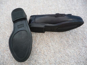 Brand New Black Dress Shoes With Tassels - Child's Size 11 or 12 Kitchener / Waterloo Kitchener Area image 3