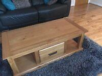 Beautiful solid hard wood oak coffee table