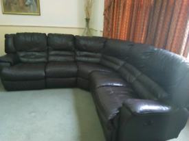 Leather 5 Seat Corner Sofa {Power Recliner End Seats}