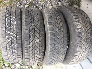 4x Hiver 185/65R15 88t Goodyear Ultra Grip Winter