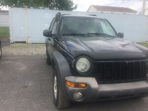 2003 Jeep Liberty 3.7L 4 by 4 SUV, Crossover