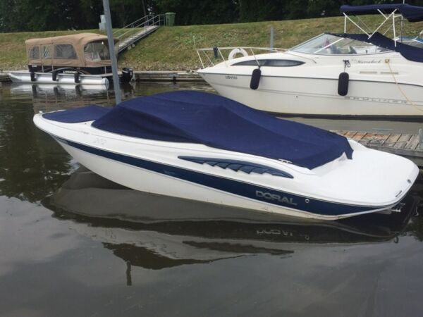 Used 2009 Doral Boats 202 br sunquest