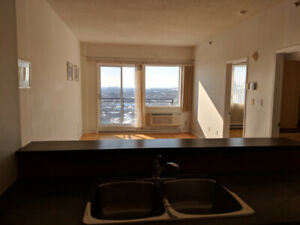 Griffintown: Grand,lumineux 3 ½, 21st floor, new floor - 1er mar