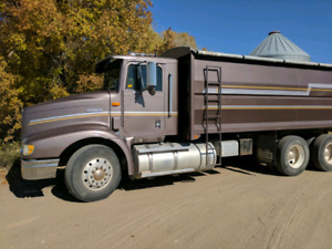 International tandem grain truck
